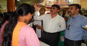 आयुक्त राजीव रौतेला ने आज रूद्रपुर जवाहर लाल नेहरू जिला चिकित्सालय का निरीक्षण कर तत्काल व्यवस्थाएं सही करने के निर्देश दिये
