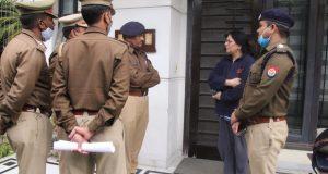 रोहतास बिल्डर के मालिकों पीयूष ,अजय ,परेश रस्तोगी के घर कुर्की