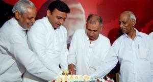 राष्ट्रीय महासचिव प्रो0 राम गोपाल यादव का 68वां जन्म दिन समारोह मनाया गया