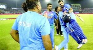 विराट' पराक्रम से भारत सेमीफाइनल में