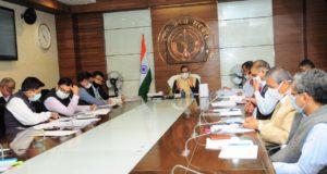 विकास कार्यक्रमों एवं योजनाओं के लिए वित्तीय स्वीकृतियां जारी करने में न हो विलम्ब —-मुख्य सचिव