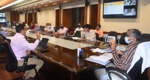 स्मार्ट सिटी योजना में आगरा, वाराणसी का कार्य सराहनीय , मेट्रो योजना में कानपुर की प्रगति प्रशंसनीय —मुख्य सचिव